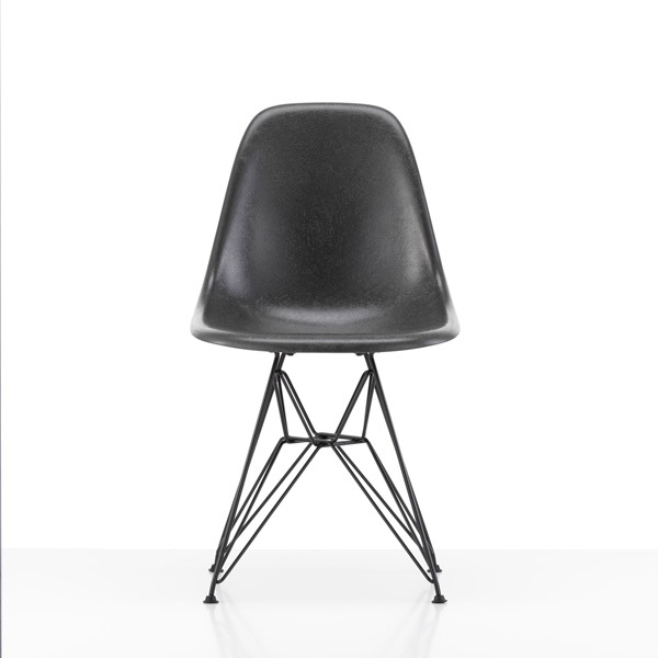 Vitra EAMES Fiberglass Chair DSRBild
